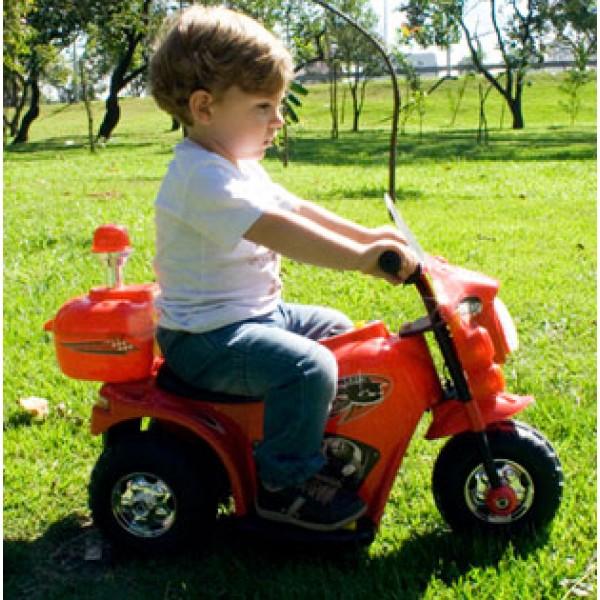 Triciclo Elétrico Infantil BZ Cycle com farol, sons e sirene Brinquedos Elétricos
